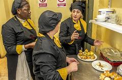 Taller en el comedor de pars 365 ofrece formacin salario - Comedor solidario paris 365 ...