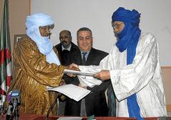 Mali, tuaregs, Azawad. Islamistas, tropas gubernamentales, intereses imperialista$. - Página 3 P019_f01_148x104